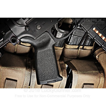 Large image of AR-15 Ergonomic Grip - Magpul MOE - Gray - Luckygunner.com
